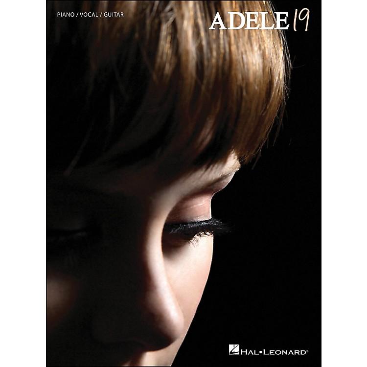 Hal LeonardAdele - 19 arranged for piano, vocal, and guitar (P/V/G)