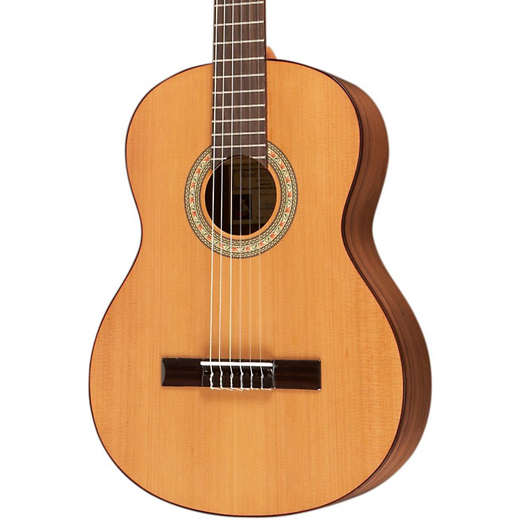 Manuel RodriguezC1V Cedar Top Classical Guitar