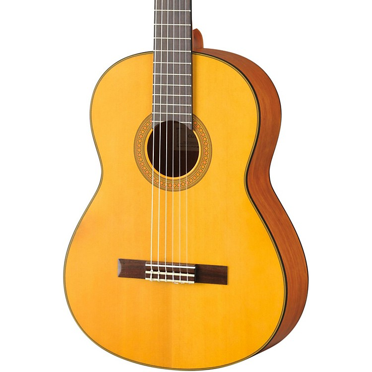 YamahaCG122 Classical GuitarSpruce