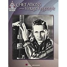 Hal Leonard Chet Atkins - Vintage Fingerstyle Guitar Tab Songbook
