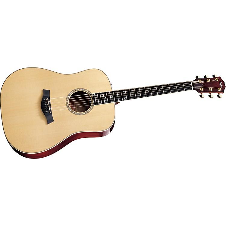 TaylorDN5 Dreadnought Mahogany/Spruce Acoustic Guitar (2011 Model)