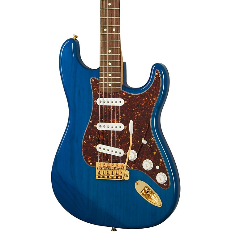 FenderDeluxe Player's Stratocaster Electric GuitarSapphire Blue TransparentRosewood Fretboard