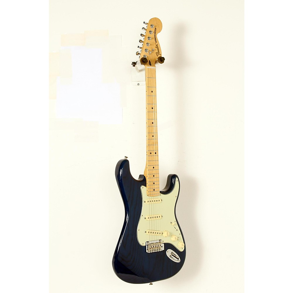 Used Fender Deluxe Stratocaster Maple Fingerboard Transparent Sapphire Blue 190839093325 -  USED005017 0147102327