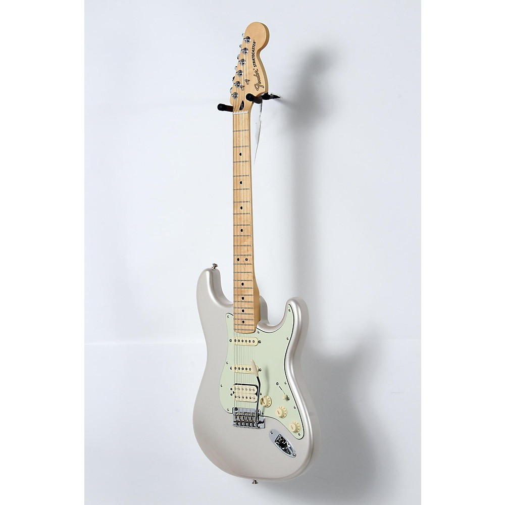 Used Fender Deluxe Hss Stratocaster With Maple Fingerboard Blizzard Pearl 190839063052 -  USED005001 0147202355