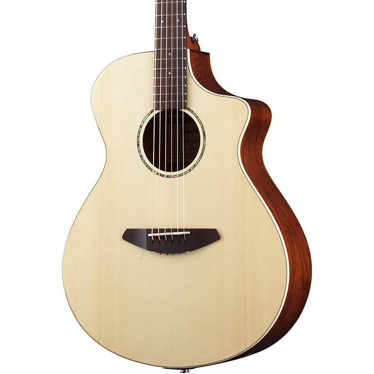 BreedlovePassport Plus Concert Acoustic-Electric GuitarNatural