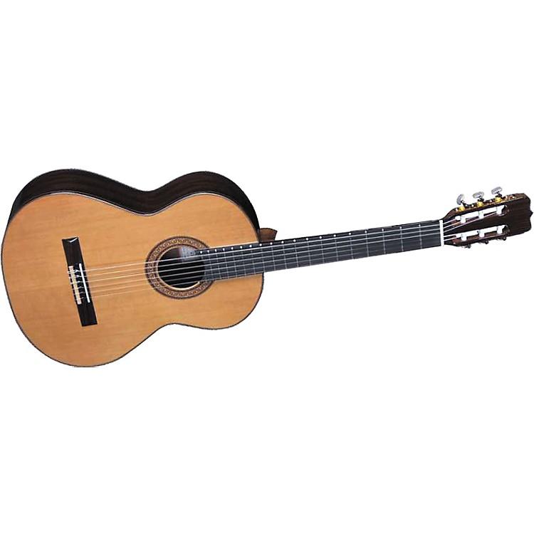 Jose RamirezR1 Classical Guitar