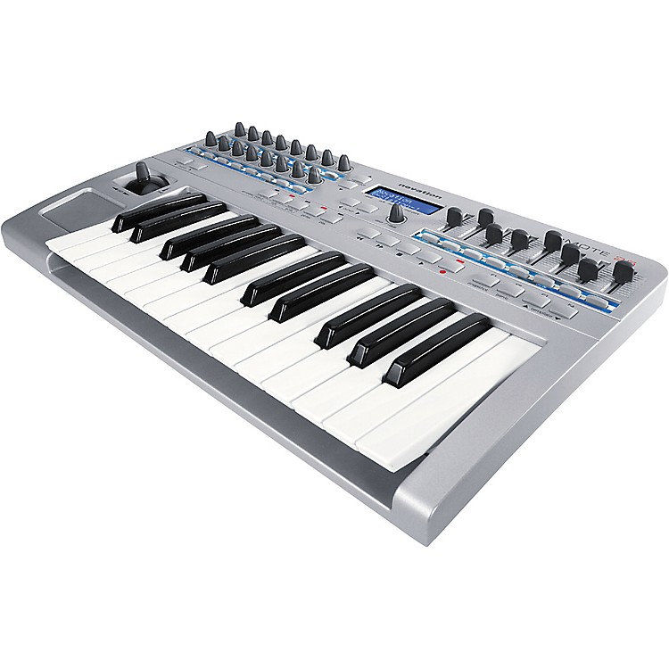 novation remote 25 2 octave midi controller musician 39 s friend. Black Bedroom Furniture Sets. Home Design Ideas