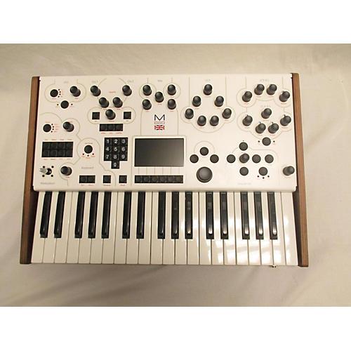 001 Synthesizer