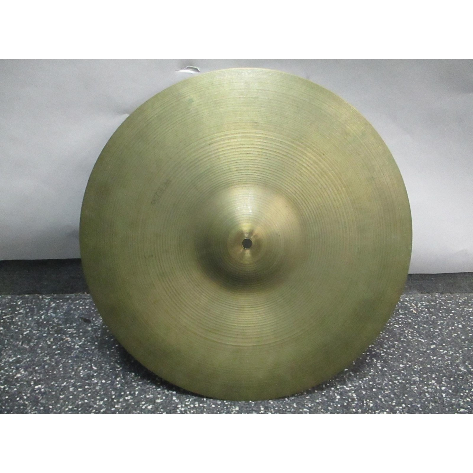 Zildjian 18in Avedis Medium Cymbal