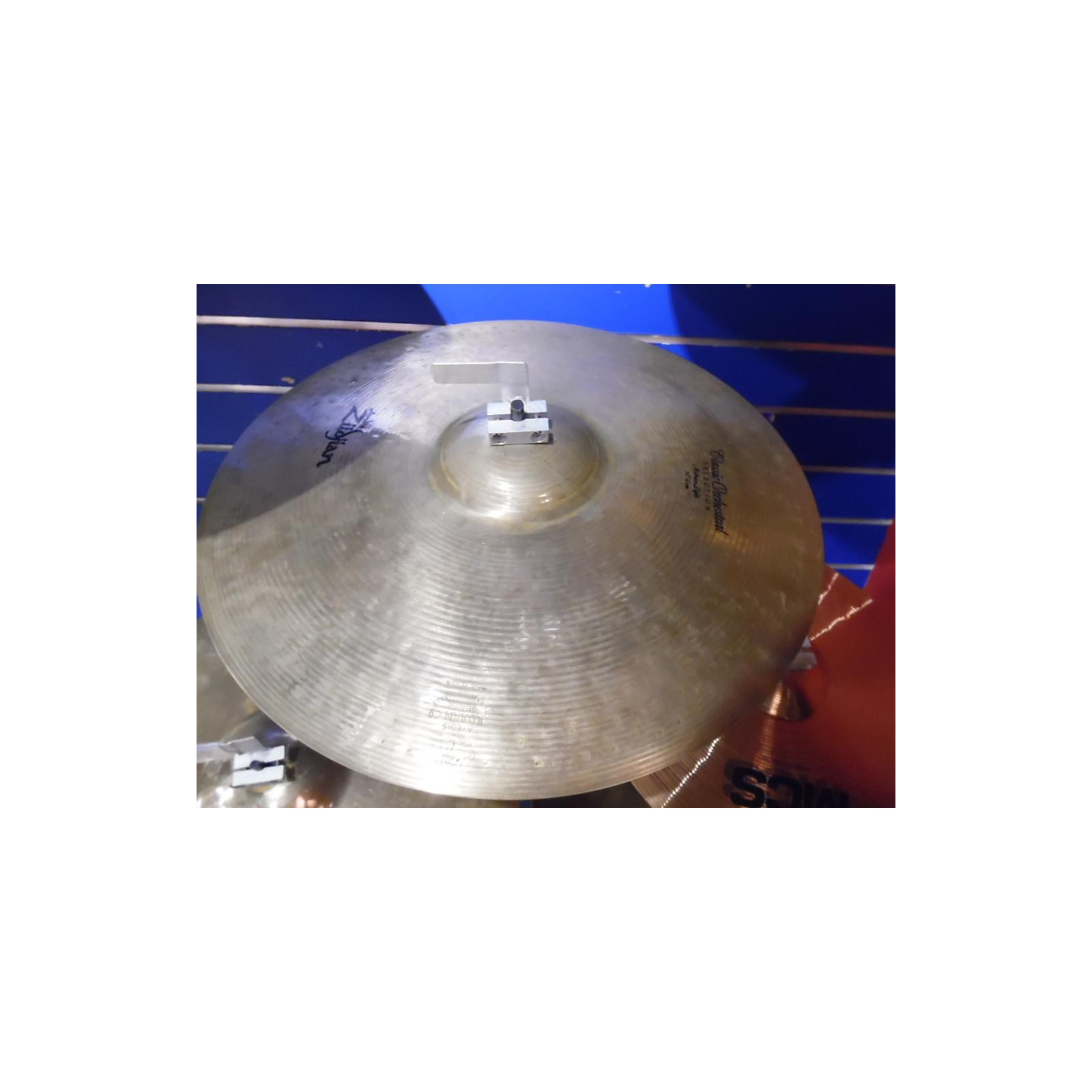 Zildjian 18in Classic Orchestral Medium Light Cymbal