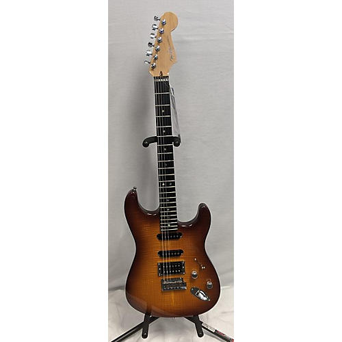Fender 2004 American Deluxe Stratocaster Hss Fmt Solid Body Electric Guitar Sienna Sunburst