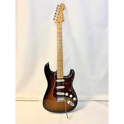 Fender 2013 American Deluxe Stratocaster Solid Body Electric Guitar