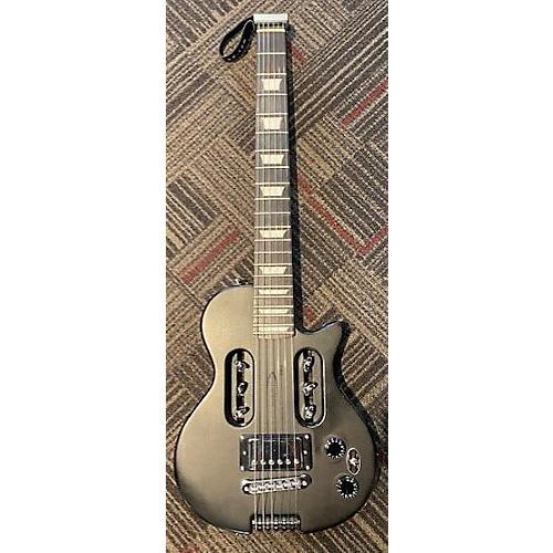 Traveler Guitar 2017 EG1 Custom Electric Guitar Black
