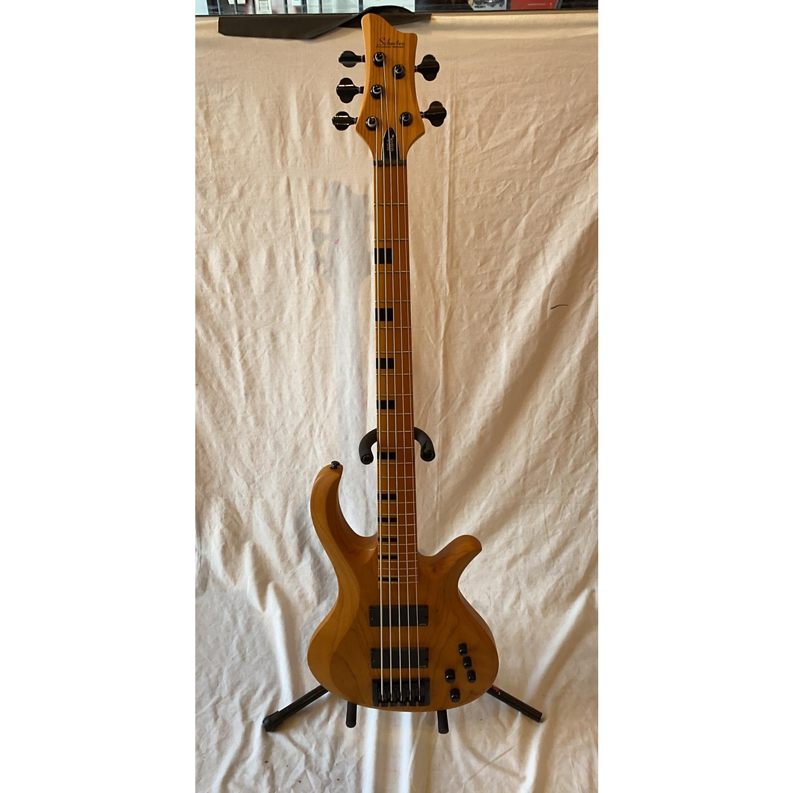 Schecter Guitar Research 2017 RIOT 5 SESSION Electric Bass Guitar