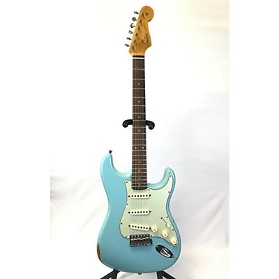 Fender 2018 1960 Stratocaster Relic Solid Body Electric Guitar