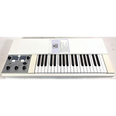 Mellotron 4000D Portable Keyboard