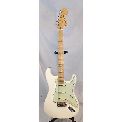 Deluxe Roadhouse Stratocaster Solid Body Electric Guitar