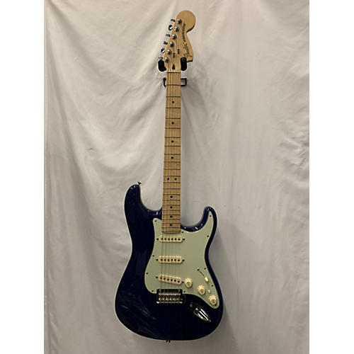 Fender Deluxe Stratocaster Solid Body Electric Guitar Sapphire Blue Trans