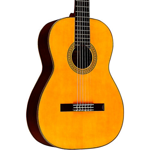 Yamaha GC82 Handcrafted Classical Guitar Spruce