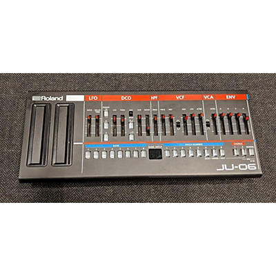 Roland JU06 Synthesizer