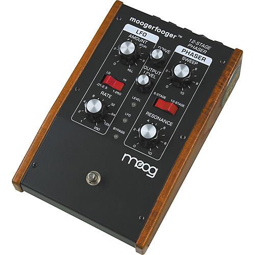 moog mf 103 moogerfooger 6 12 stage phaser musician 39 s friend. Black Bedroom Furniture Sets. Home Design Ideas