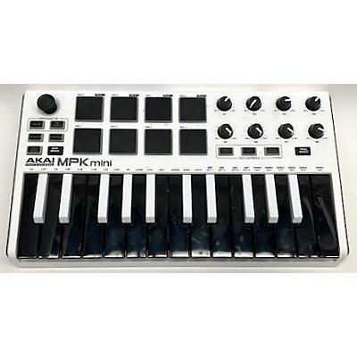 Akai Professional MPK Mini MK3 White MIDI Controller