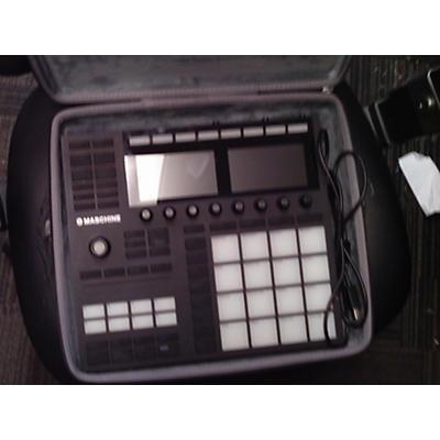 Native Instruments Maschine Plus DJ Controller