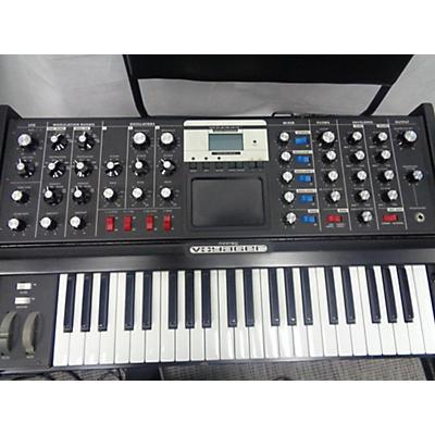 Moog Minimoog Voyager Blue Edition Synthesizer