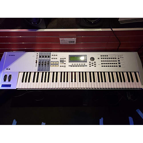 Motif ES7 76 Key Keyboard Workstation
