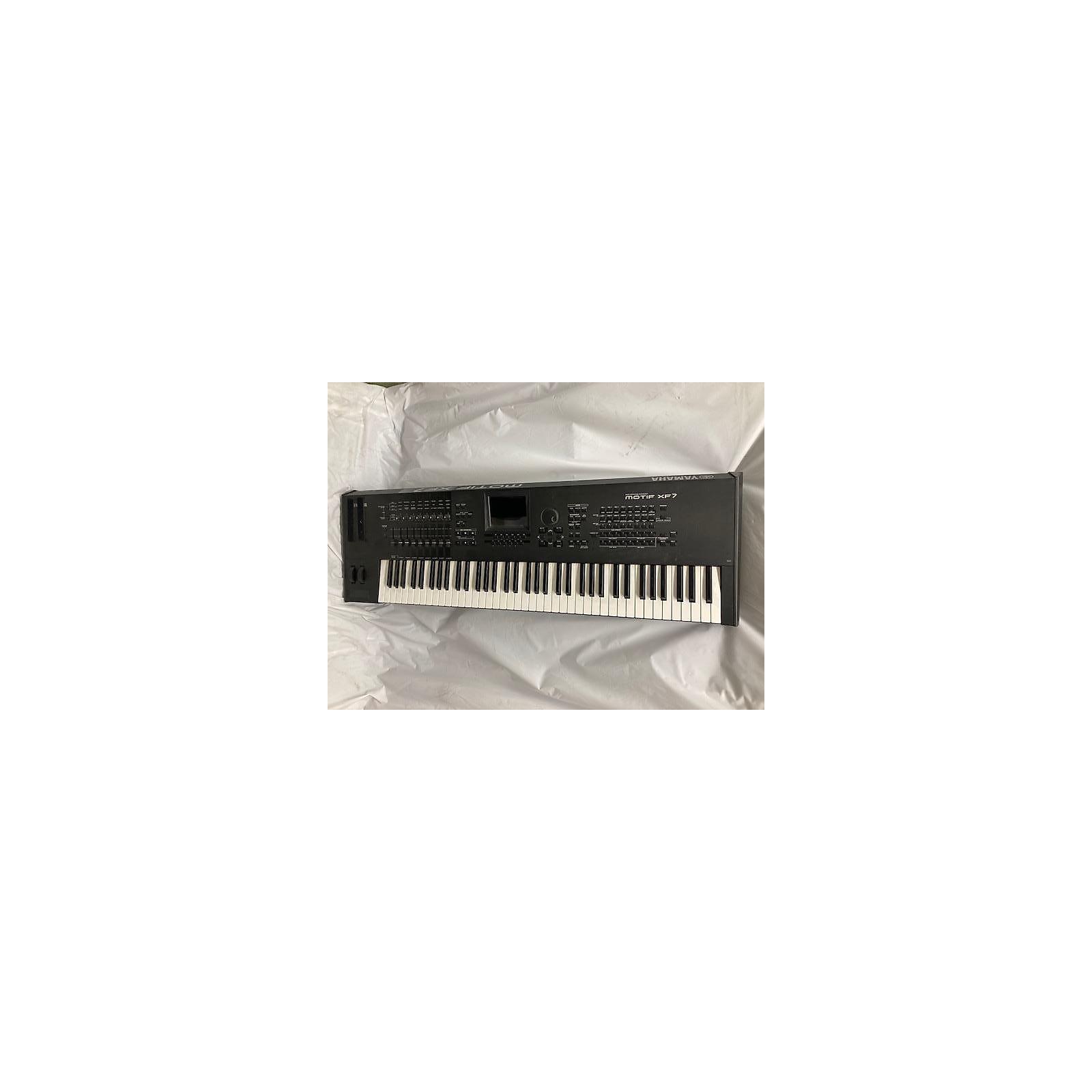 Yamaha Motif XF7 76 Key Keyboard Workstation