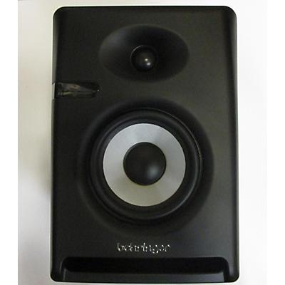 Behringer Nekkst K5 Powered Monitor