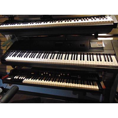 Yamaha PORTABLE GRAND DGX660 Digital Piano