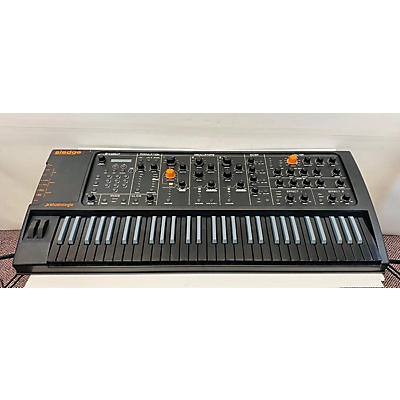 Studiologic Sledge Polyphonic Synth Synthesizer