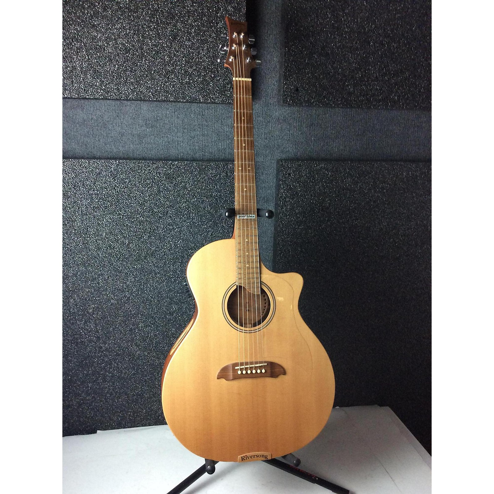 Riversong Guitars Tradition Canadian Series Special Edition Acoustic Electric Guitar