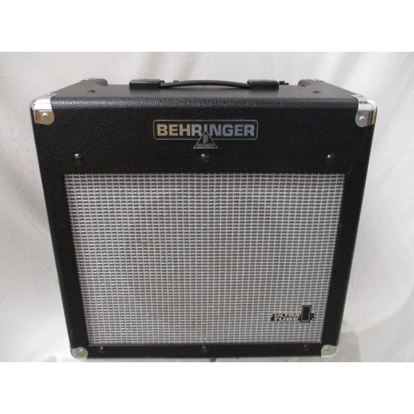 Behringer ULTRA TUBE VINTAGER AC112 Guitar Combo Amp