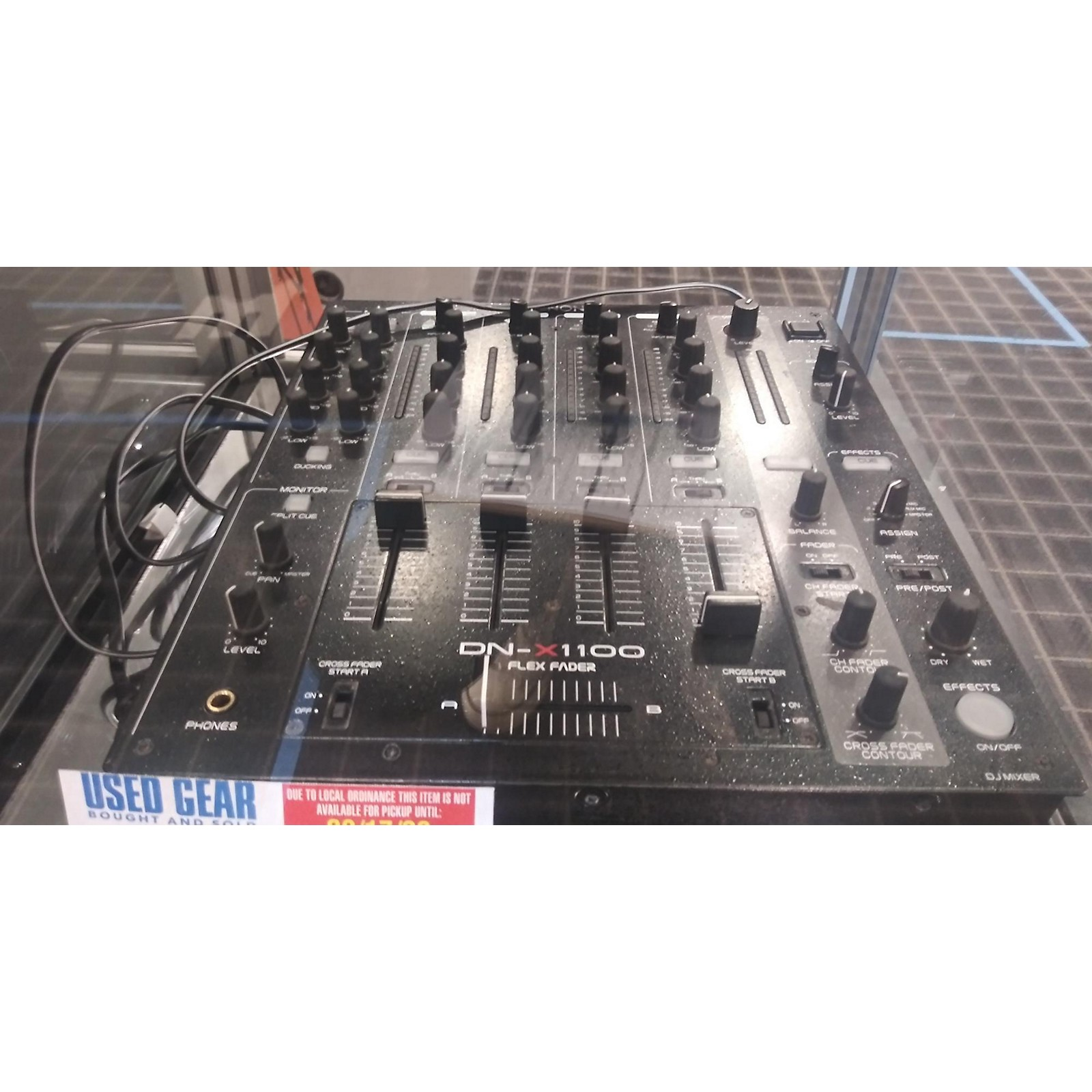 In Store Used Used Denon DNX1100 DJ Mixer