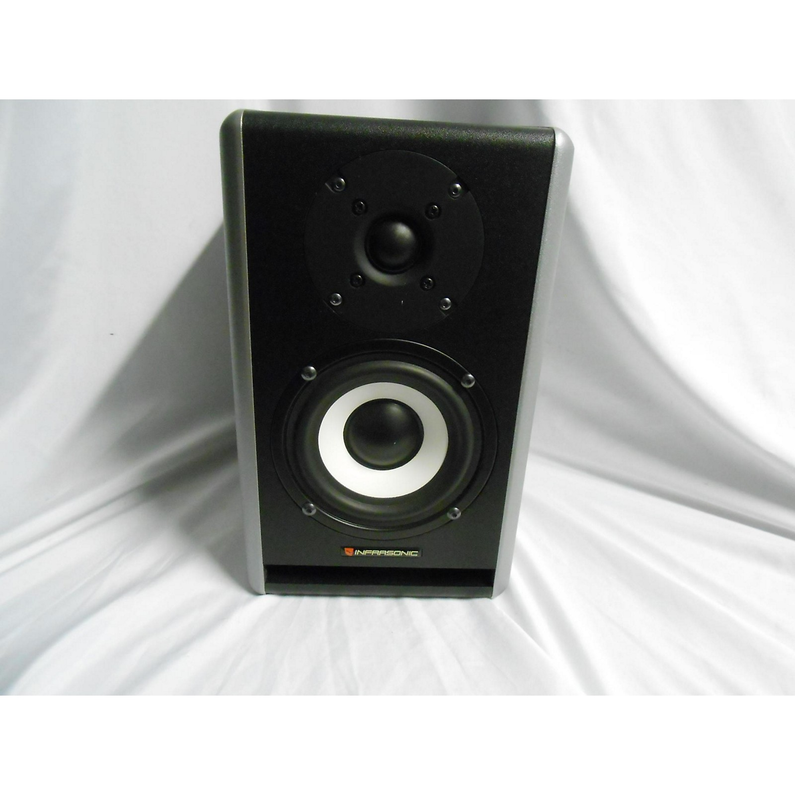 In Store Used Used Infrasonic Blow 4d Powered Monitor