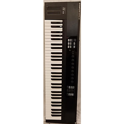 Used Komplete Kontrol S61 MIDI Controller