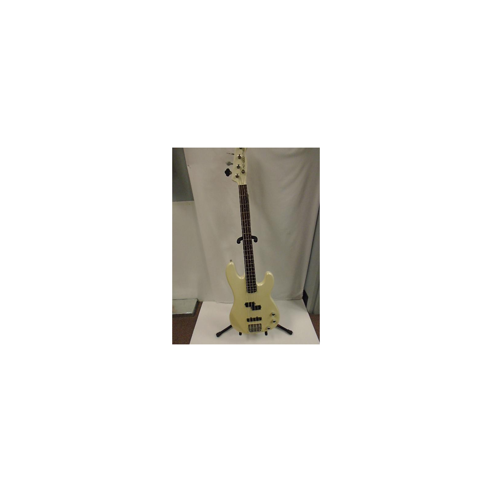 In Store Used Used Stage Guitars HD1200 Electric Bass Guitar