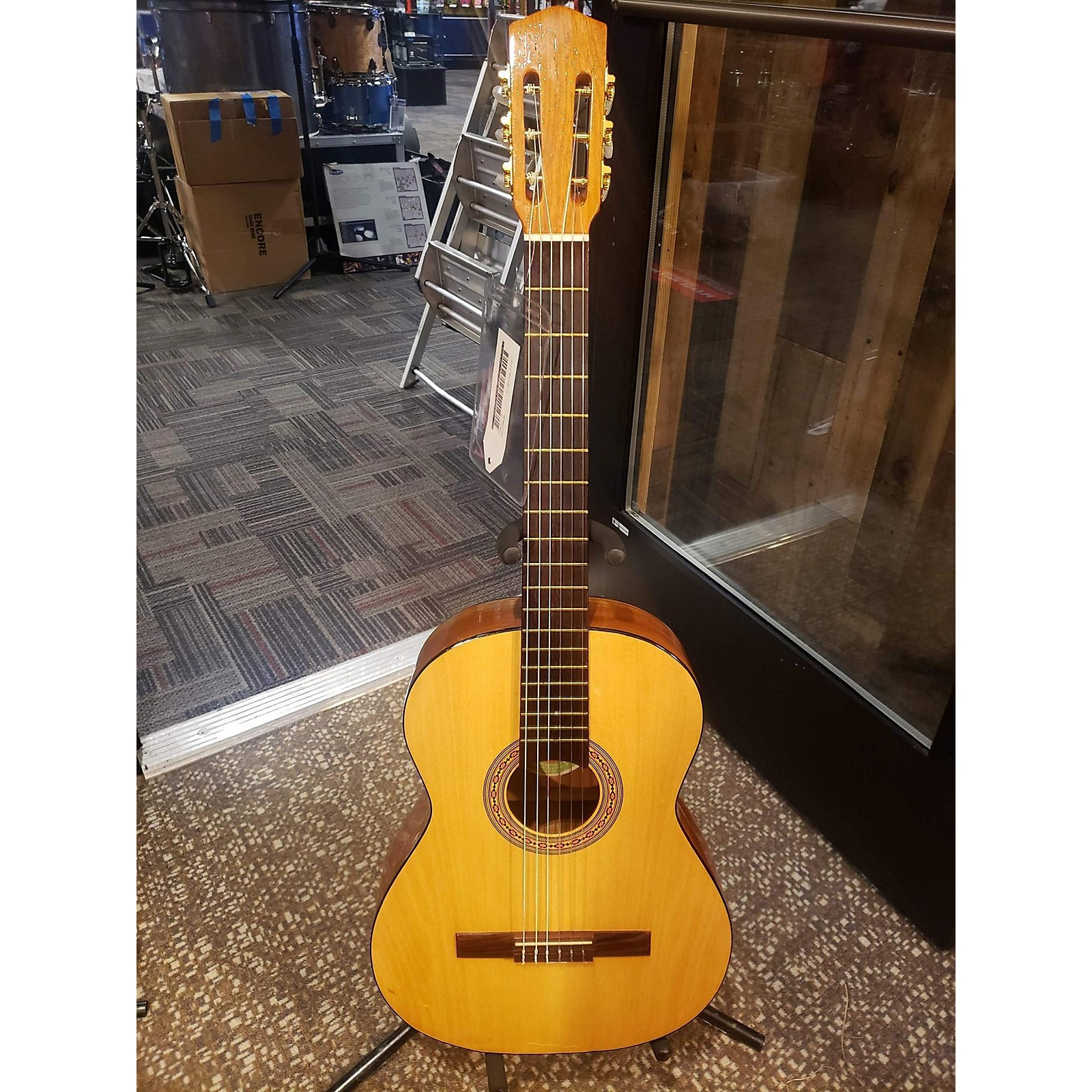 In Store Used Used TRES PINOS SNM REQUINTO Natural Classical Acoustic Guitar