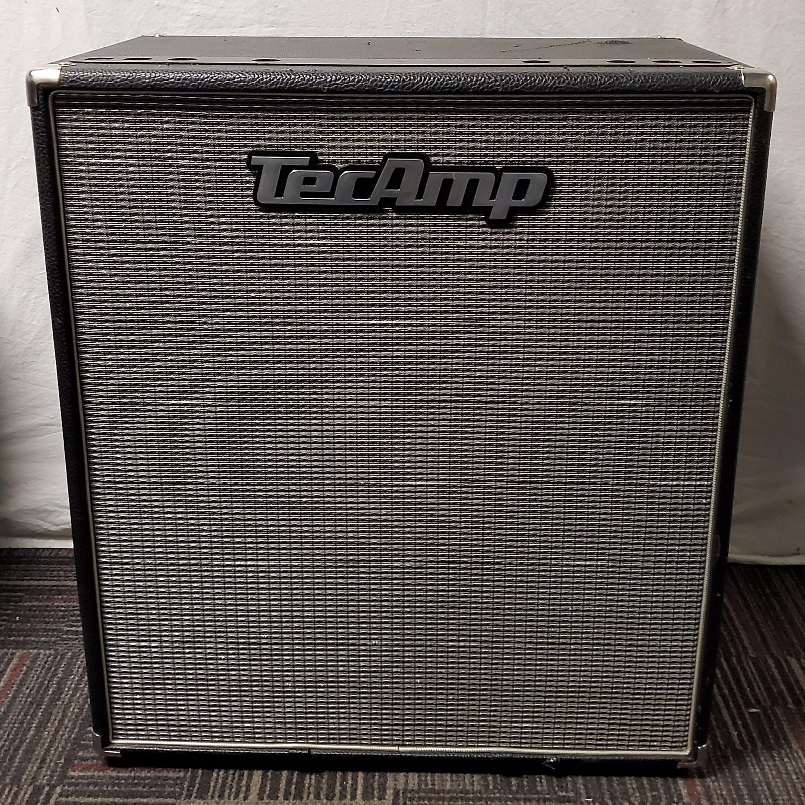 In Store Used Used Tecamp L410-8 Bass Cabinet